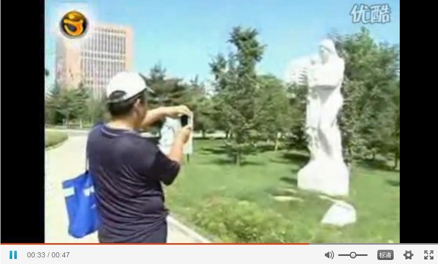 长春举行万人看雕塑活动